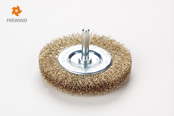 WHEEL BRUSH WITH SHAFT CRIMPED WIRE